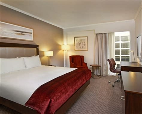 rooms near gatwick airport gatwick hotel rooms standard guest rooms gatwick airport