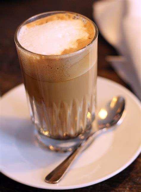 kopje kleiner dan espresso italiaanse koffiegebruiken waarom drinken ze cappuccino