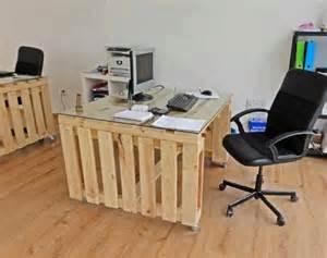 Diy Pallet Desk Diy Pallet Office Desk Goodiy