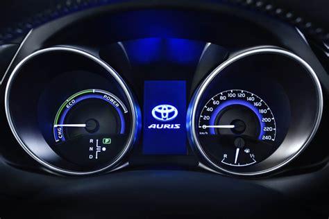 toyota motoren nieuwe toyota auris nieuwe motoren en veiliger autoplus