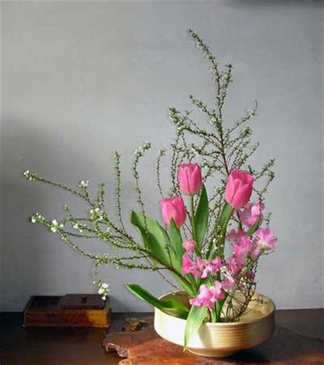 flower arrangement styles image gallery japanese flower arranging styles