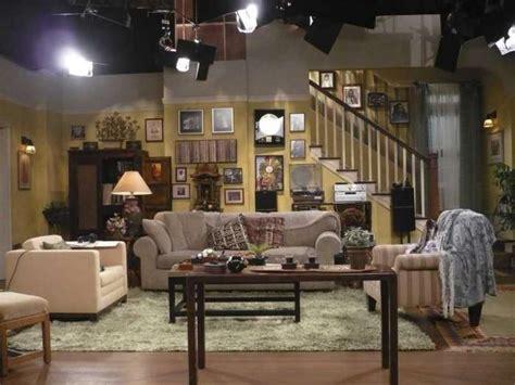 sitcom sets set decorators use designs to flesh out tv characters