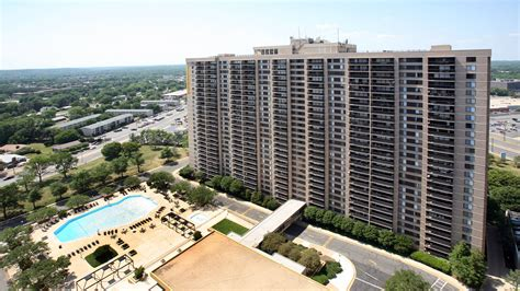skyline towers apartments in baileys crossroads 5599