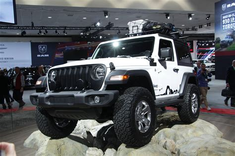 mopar shows   ton    wrangler jl accessories  roadcom