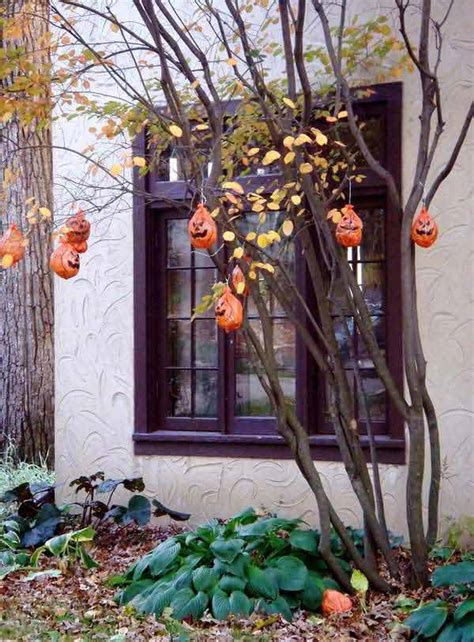 top 21 creepy ideas to decorate outdoor trees for