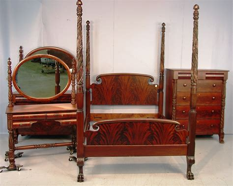 What Is Period Furniture by Mahogany Bedroom Furniture At The Galleria
