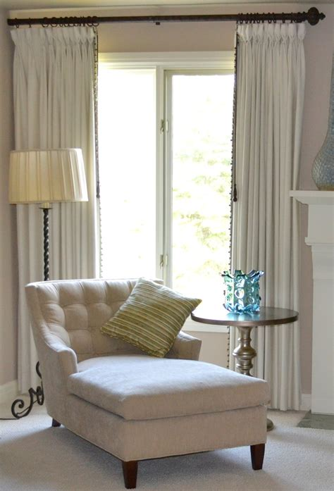 bay window bedroom master bedroom chaise in front of bay window home d 233 cor seating pinterest maybe