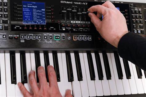 Keyboard Roland Ea7 roland e a7 expandable arranger