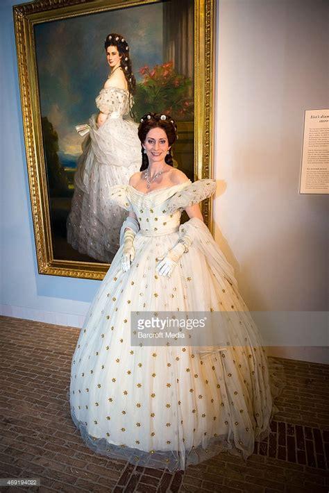 Mellanl Ng Frisyr by Empress Elisabeth Of Austria Getty Images