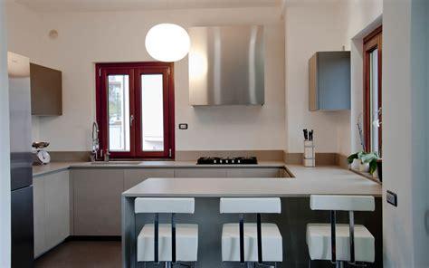 arredo cucine cucina moderna con piano e vasca intergrata in sinterlite