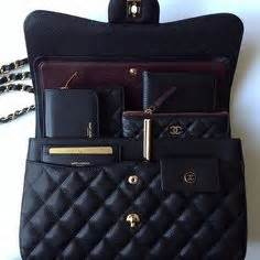 Tas Wanita Branded Import Chanel Boy Vintage Mini the coco handle bag comes with a front flap a handle on top and intertwined chain leather