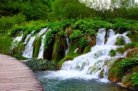 most beautiful waterfalls top 10 most beautiful waterfalls in the world most