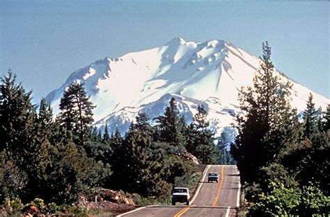 scenc byways volcanic legacy scenic byway wikipedia
