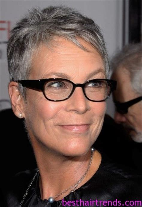 jamie lee curtis with silver hair classy and very short haircut jamie lee curtis pixie cut idea d i p p i t y d o