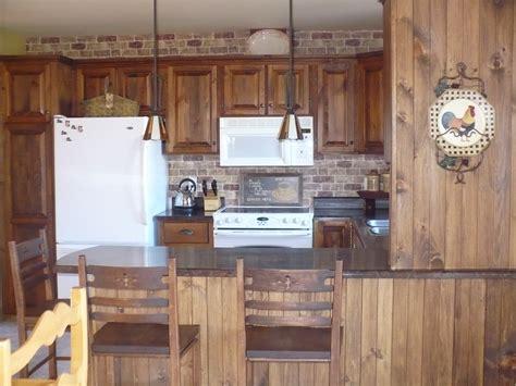 armoire de cuisine en pin