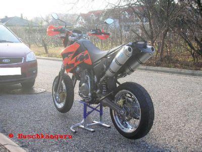 Ktm 790 Duke Aufkleber by Umgebautes Motorrad Ktm 640 Lc4 Supermoto Buschkanguru