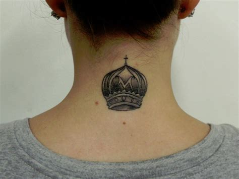 black queen tattoo 21 wonderful neck tattoos