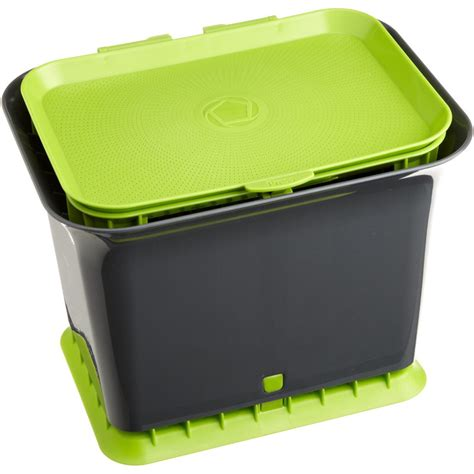 kitchen compost container in compost pails