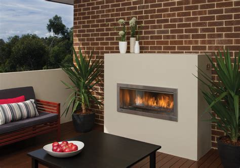 outdoor modern fireplace regency horizon hzo42 modern outdoor gas fireplace