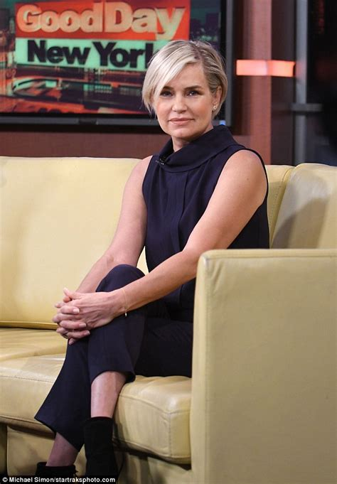 yolanda foster 21 days cleanser yolanda hadid stuns in sleeveless jumpsuit as she details