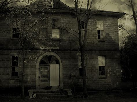 creepy house make art not war haunted places