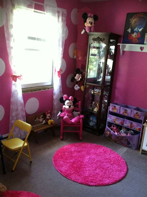 1000 images about minnie mouse slaapkamer idee on