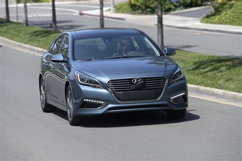 2016 Sonata Review by 2016 Hyundai Sonata Hybrid Review Autoguide News