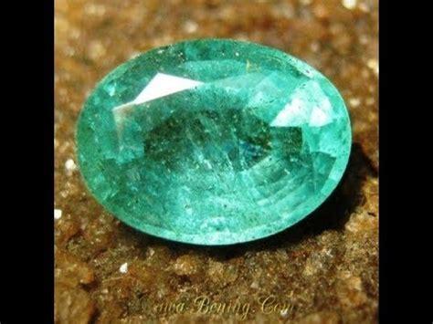 Batu Hijau Botol 1 batu mulia zamrud oval cut hijau pekat clarity vs 1 75 carat