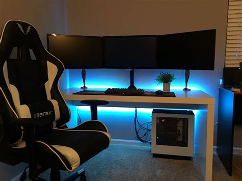 Gaming Pc Desk Setup 2017 Gaming Setup Gaming Setup Gaming And Pc Setup
