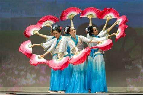 Kipas Cina fan dances