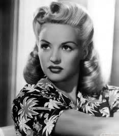 10 beautiful 1940 s hairstyles for women updo long hair in