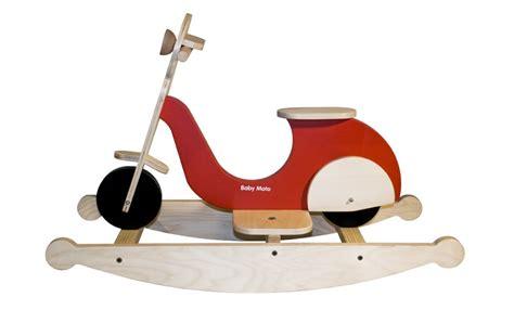culle a dondolo per neonati in legno scooter dondolo giocattoli in legno per bambini 1033