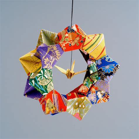Origami Tree Ornaments - 10 creative diy origami ornaments for next year s