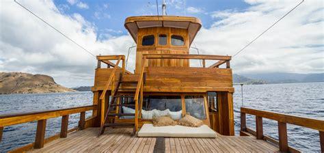 yacht sourcing voyage kelana ys voyage