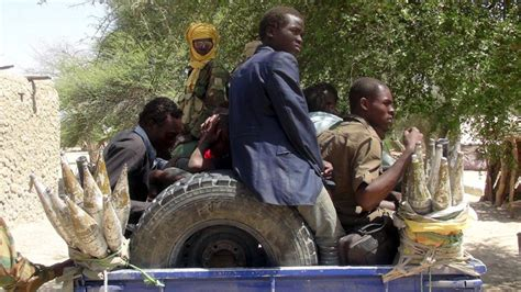 boko haram pushed out of two nigerian towns news dw de 10 03 100s of bodies 20 mass graves found in nigerian town
