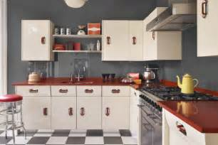 Vintage Style Kitchen Cabinets Maximizing Cabinet Color To Create Retro Style Kitchen Designs Mykitcheninterior