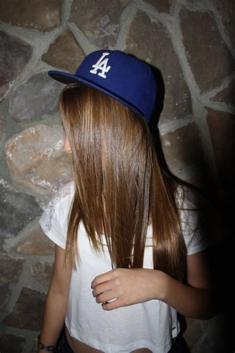 girl hairstyles with snapbacks 153 best images about snapbacks on pinterest pittsburgh