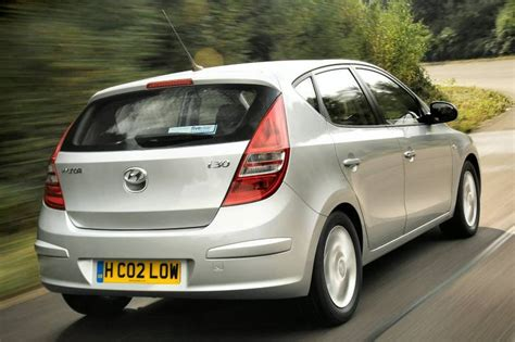 2nd hyundai i30 hyundai i30 2007 2010 used car review car review