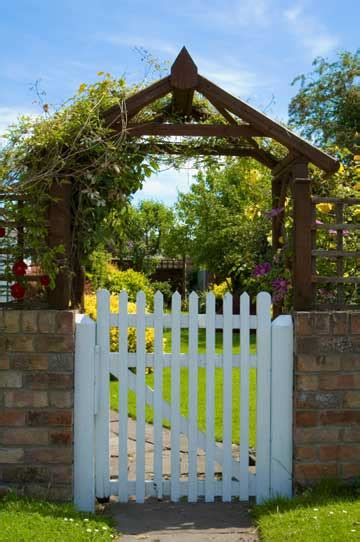 small gate how to build lasting gates diy earth news