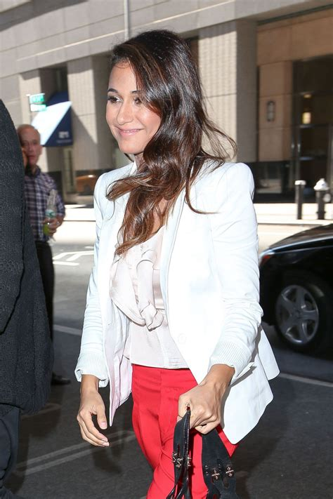 Style Emmanuelle Chriqui by Emmanuelle Chriqui Style Arriving At Hotel In New