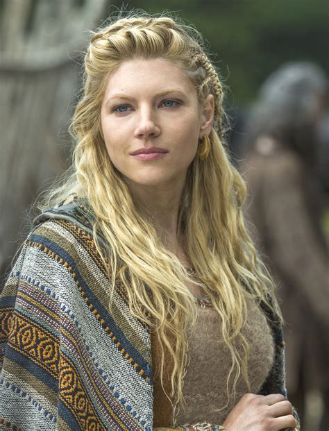 vikings hagatga hairdos katheryn winnick lagertha s hairstyle in vikings strayhair