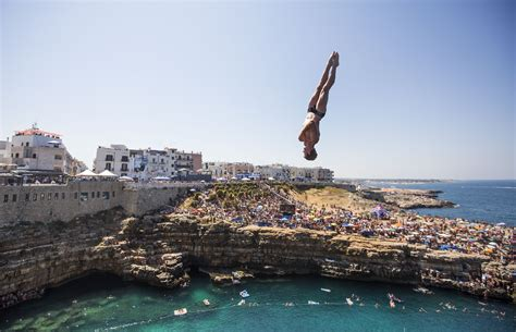 red bull cliff diving 2017 gary hunt tells us what it s