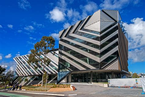 Monash Australia Mba Ranking by Umow Lai Helps Monash To Step Up To New Horizons Www