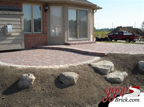 paver patio slope paver patio on a slope search landscaping