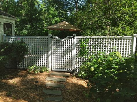6ft privacy fence with gate