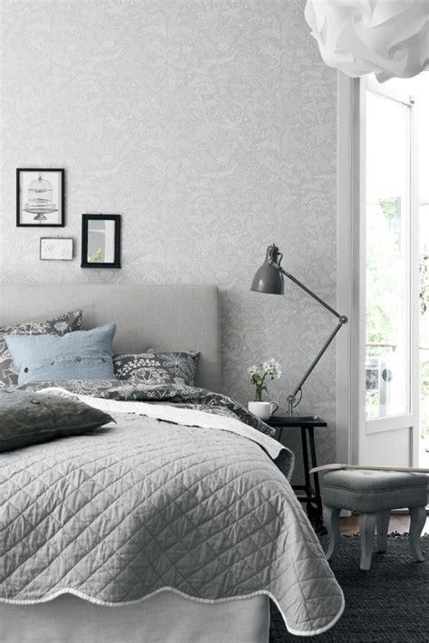 tapete in grau stilvolle vorschl 228 ge f 252 r wandgestaltung