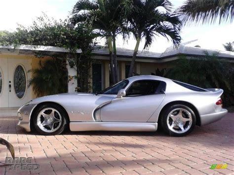 how cars engines work 1998 dodge viper parking 1998 dodge viper gts in viper bright silver metallic photo 2 400776 rarespeed com