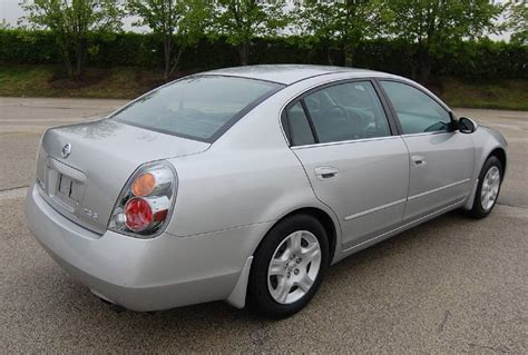 grey nissan altima 2003 2003 nissan altima 2 5 s 4d sedan 81k miles