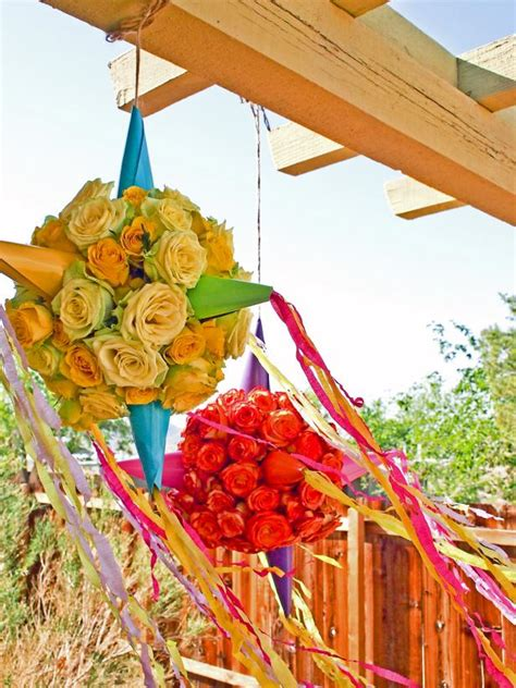 Decorating Ideas With Crepe Paper Streamers How To Make A Flower Pi 241 Ata Hgtv