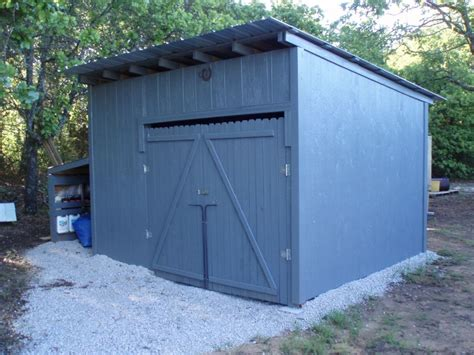 Shed Out wood pallet shed project